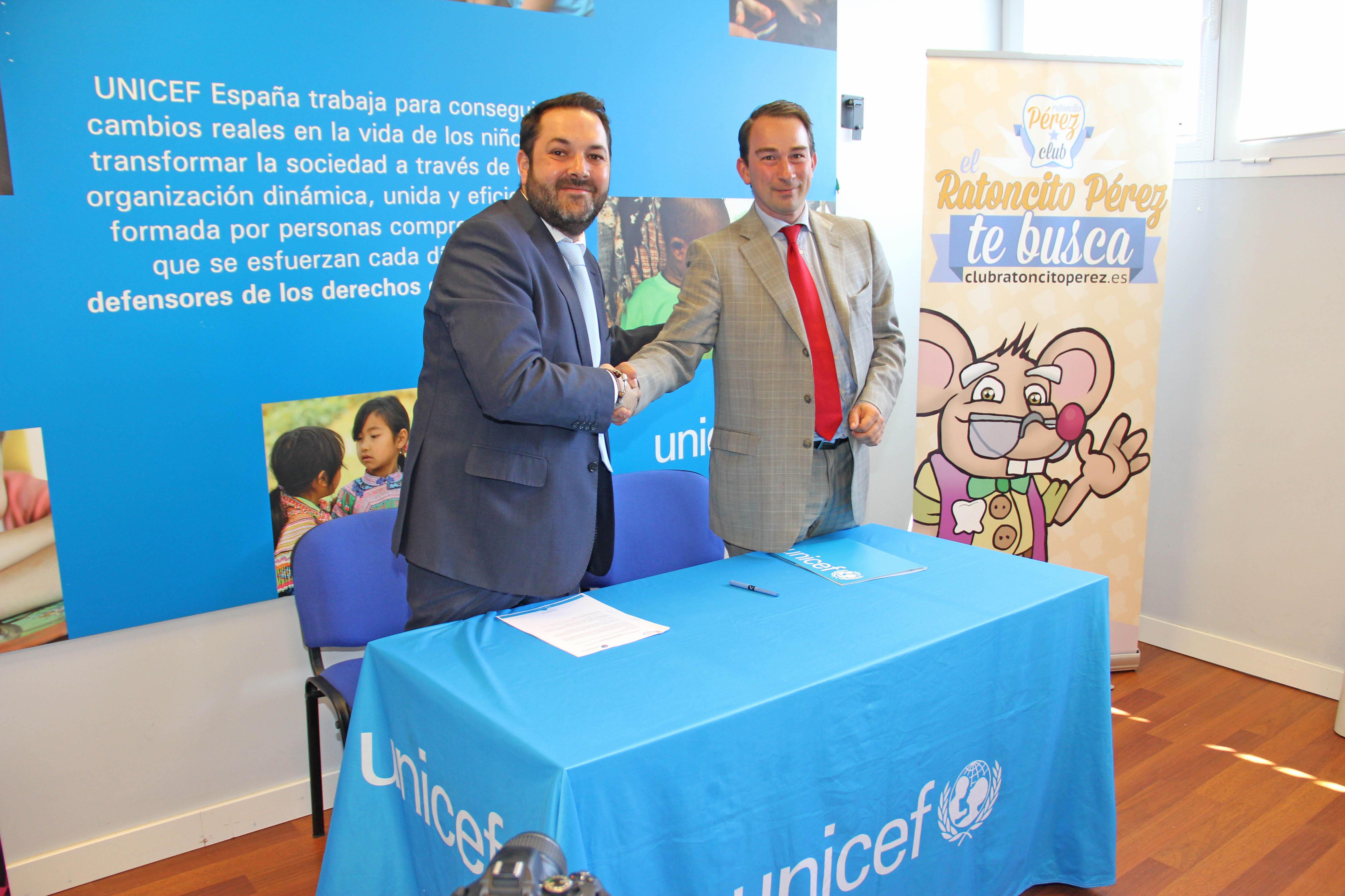 Firma acuerdo Club Ratoncito Perez con Clínicas Solidarias Unicef