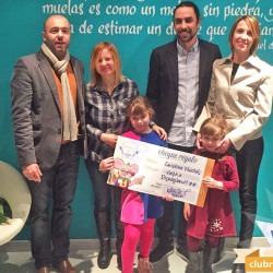 Denstosalud entrega el viaje a Disneyland París gracias al Ratoncito Pérez